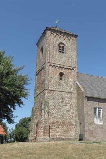 Fietsen-in-Zandvoort-Rondje-Haarlem-Kerkje-Cycling-Holiday-Church
